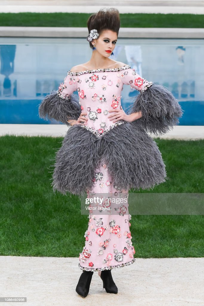 Chanel : Runway - Paris Fashion Week - Haute Couture Spring Summer 2019 : News Photo