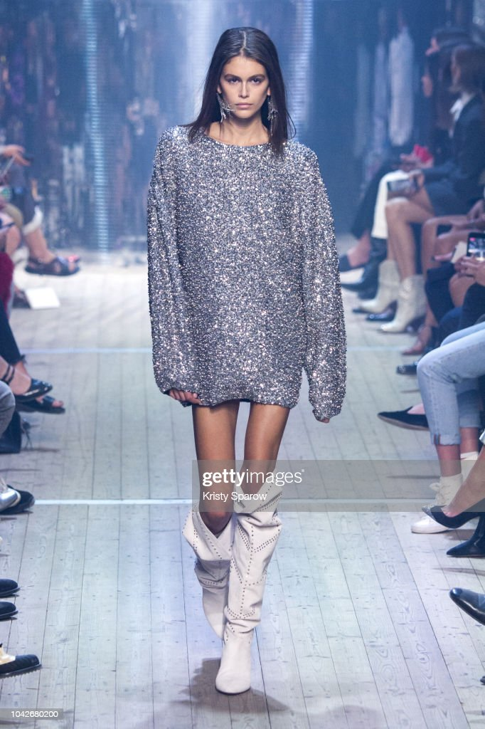 model-kaia-gerber-walks-the-runway-during-the-isabel-marant-show-as-picture-id1042680200