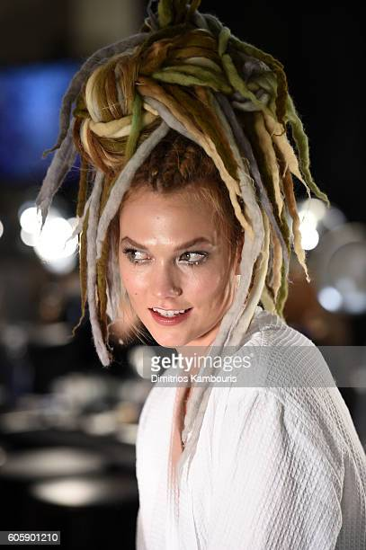 Model Karlie Kloss at the Marc Jacobs Spring 2017 fashion show during New York Fashion Week at the Hammerstein Ballroom on September 15 2016 in New...