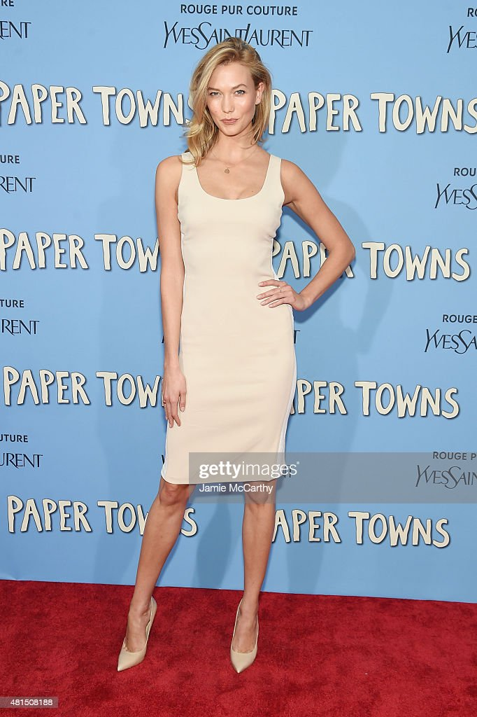 Model Karlie Kloss attends the New York premiere of 'Paper Towns' at AMC Loews Lincoln Square on July 21, 2015 in New York City.