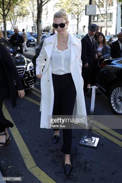 Model Karlie Kloss comes out of her hotel> on September 26 2018 in Paris France