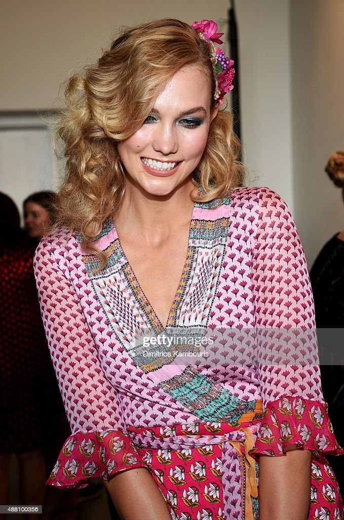 b15152afc4cc9 Diane Von Furstenberg - Front Row - Spring 2016 New York Fashion Week :  News Photo