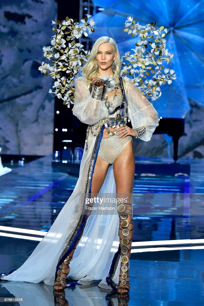 Model Karlie Kloss walks the runway during the 2017 Victoria's Secret Fashion Show In Shanghai at Mercedes-Benz Arena on November 20, 2017 in Shanghai, China.