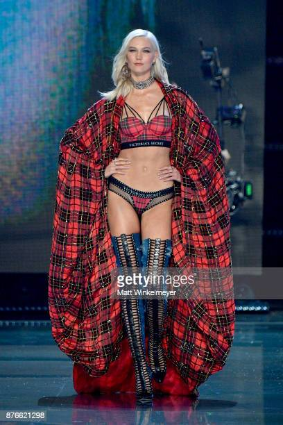 Model Karlie Kloss walks the runway during the 2017 Victoria's Secret Fashion Show In Shanghai at MercedesBenz Arena on November 20 2017 in Shanghai...