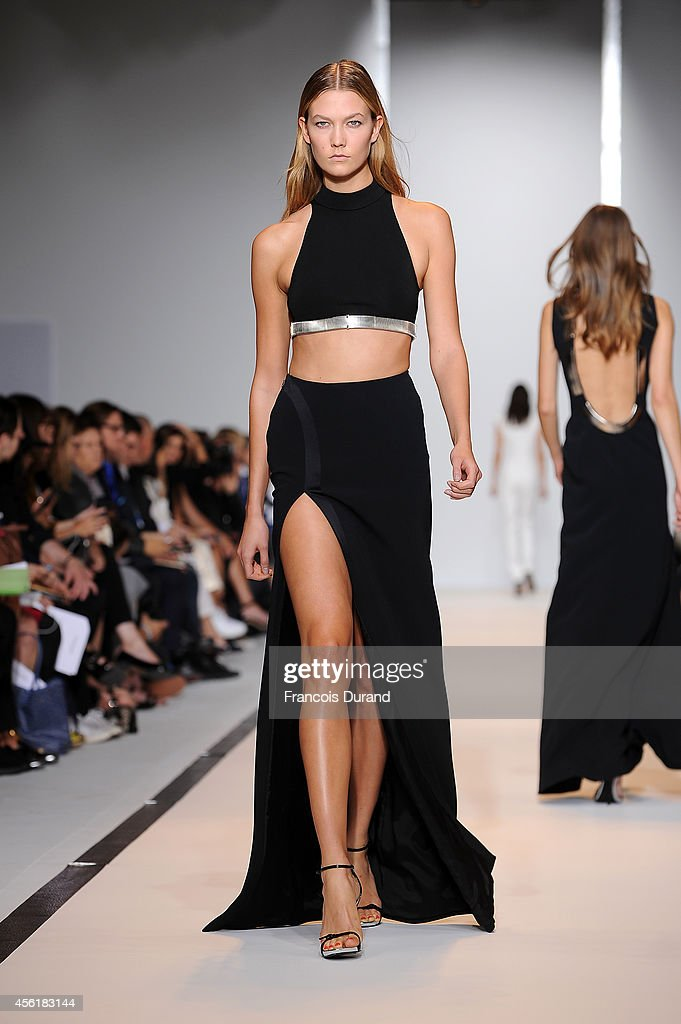 Mugler : Runway - Paris Fashion Week Womenswear Spring/Summer 2015 : News Photo
