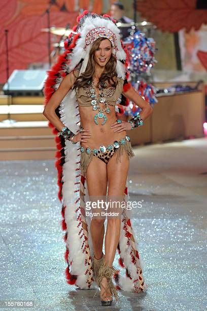 Model Karlie Kloss walks the runway during the Victoria's Secret 2012 Fashion Show on November 7 2012 in New York City