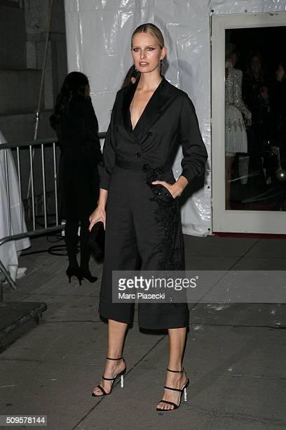 Model Karolina Kurkova arrives to attend the amfAR dinner at 'Cipriani' restaurant on February 10 2016 in New York City