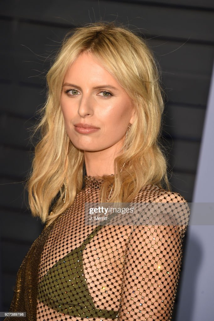 Model Karolina Kurkova attends the 2018 Vanity Fair Oscar Party hosted by Radhika Jones at the Wallis Annenberg Center for the Performing Arts on March 4, 2018 in Beverly Hills, California.