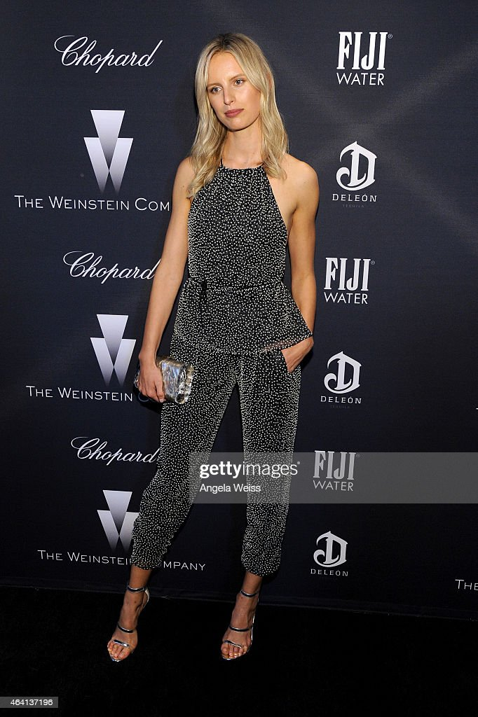 Model Karolina Kurkova attends The Weinstein Company's Academy Awards Nominees Dinner in partnership with Chopard, DeLeon Tequila, FIJI Water and MAC Cosmetics on February 21, 2015 in Los Angeles, California.
