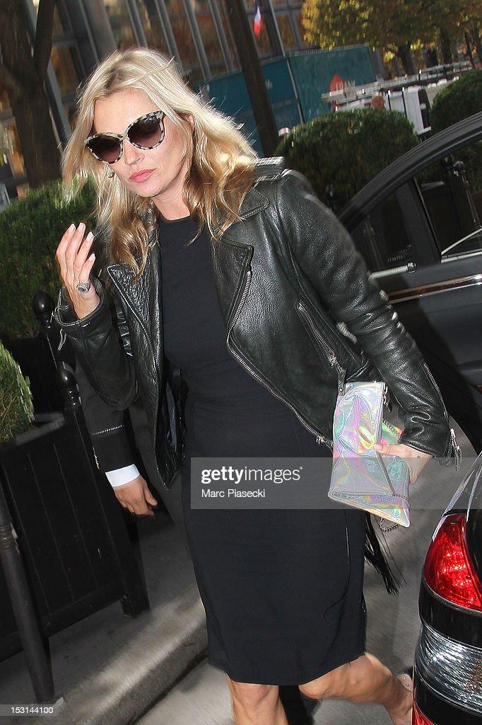 Model Kate Moss arrives at her hotel on October 1, 2012 in Paris, France.