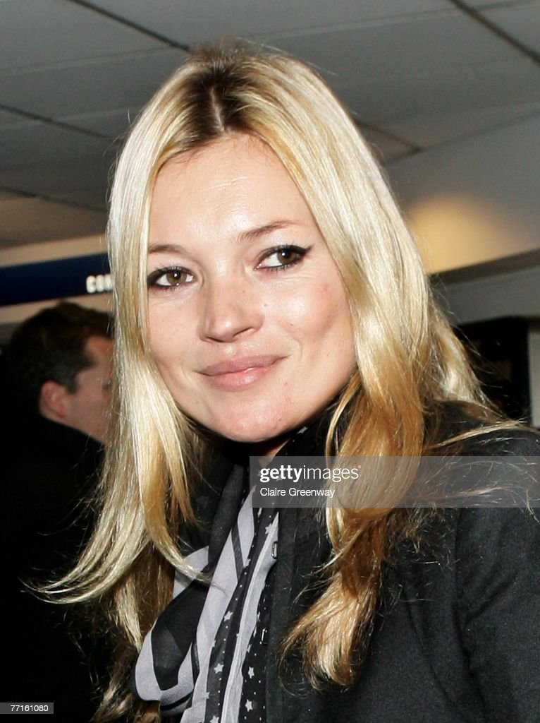 Model Kate Moss arrives at the London gala screening of 'Control' at Odeon Covent Garden on October 2, 2007 in London, England.