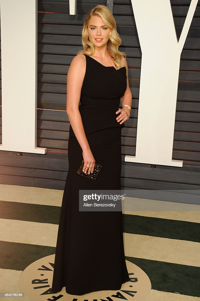 Model Kate Upton attends the 2015 Vanity Fair Oscar Party hosted by Graydon Carter at Wallis Annenberg Center for the Performing Arts on February 22, 2015 in Beverly Hills, California.