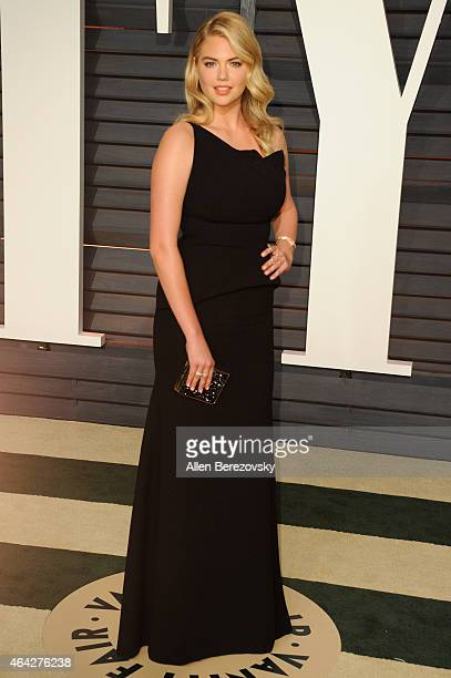 Model Kate Upton attends the 2015 Vanity Fair Oscar Party hosted by Graydon Carter at Wallis Annenberg Center for the Performing Arts on February 22...