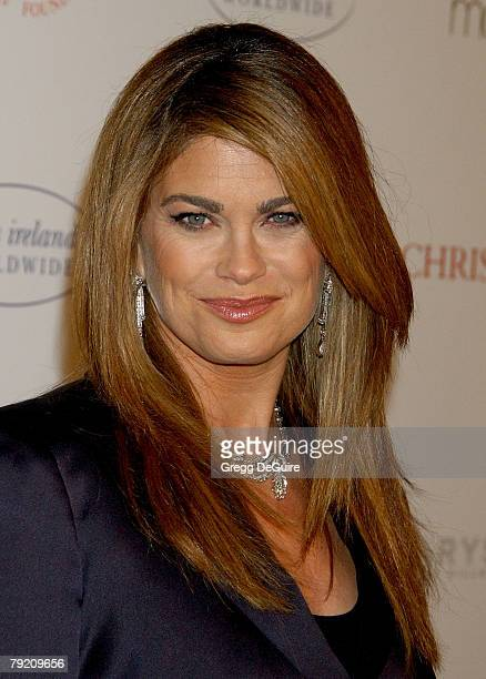 Model Kathy Ireland arrives at AR Gurney's 'Love Letters' starring Dame Elizabeth Taylor and James Earl Jones at Paramount Studios on December 1 2007...