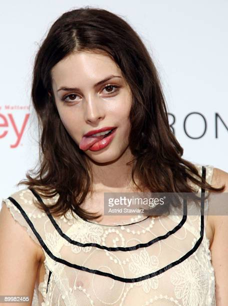 Model Kemp Muhl attends the celebration of the I Heart Ronson collection on August 20 2009 in New York City