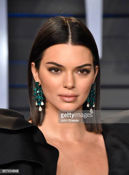 Model Kendall Jenner attends the 2018 Vanity Fair Oscar Party hosted by Radhika Jones at Wallis Annenberg Center for the Performing Arts on March 4...