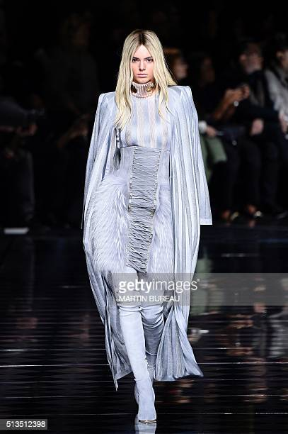 US model Kendall Jenner presents a creation for Balmain for the 20162017 fall/winter readytowear collection fashion show on March 3 2016 in Paris /...