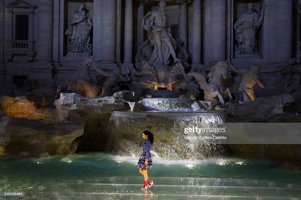Model Kendall Jenner walks the runway at Fendi Roma 90 Years Anniversary fashion show at Fontana di Trevi on July 7, 2016 in Rome, Italy.
