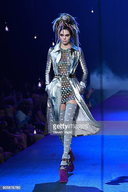 Model Kendall Jenner walks the runway at the Marc Jacobs fashion show durin New York Fashion Week at Hammerstein Ballroom on September 15 2016 in New...