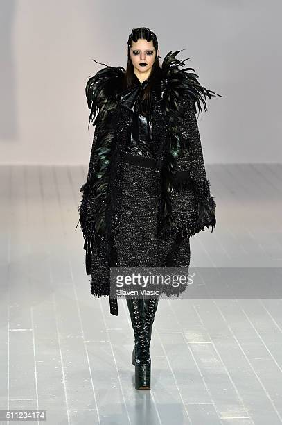 Model Kendall Jenner walks the runway wearing Marc Jacobs Fall 2016 during New York Fashion Week at Park Avenue Armory on February 18 2016 in New...