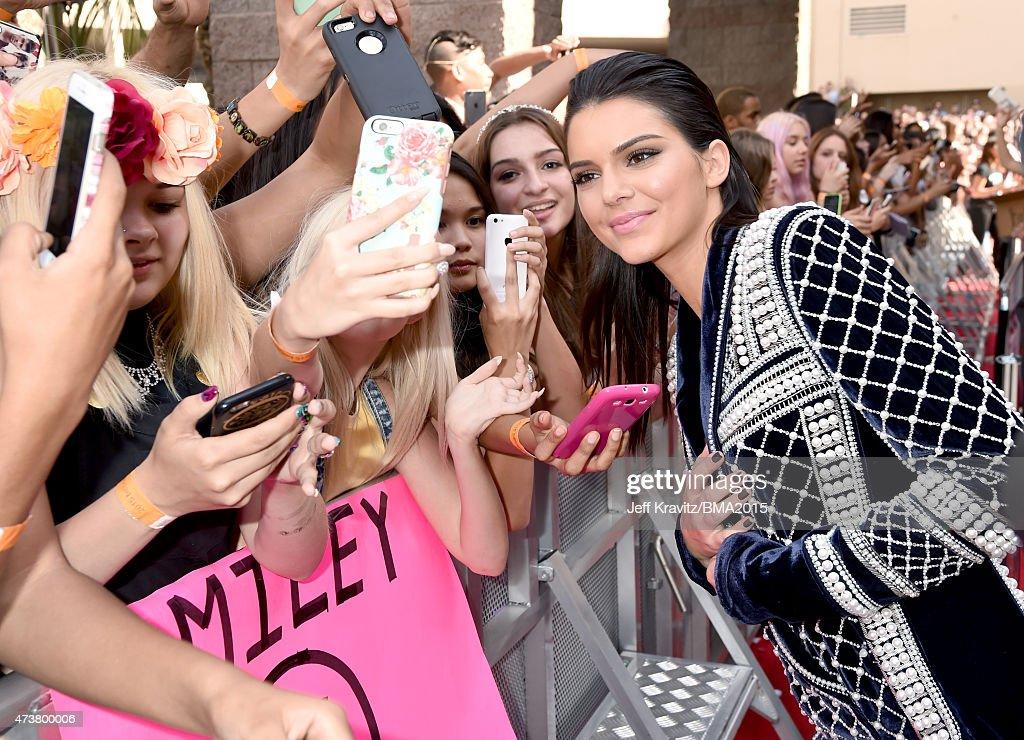 2015 Billboard Music Awards - Red Carpet : News Photo