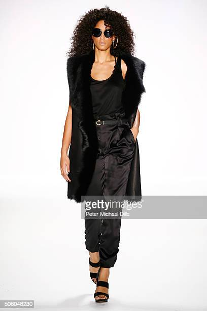 Model Keziah Marie walks the runway at the Dimitri show during the MercedesBenz Fashion Week Berlin Autumn/Winter 2016 at Brandenburg Gate on January...