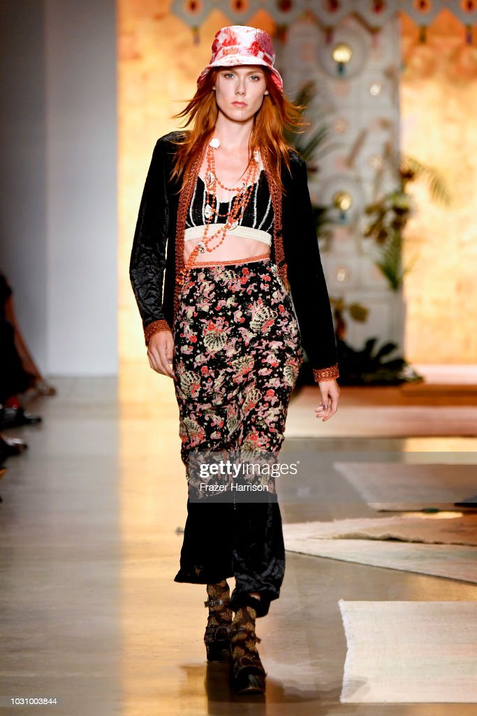 Anna Sui - Runway - September 2018 - New York Fashion Week: The Shows : Nieuwsfoto's