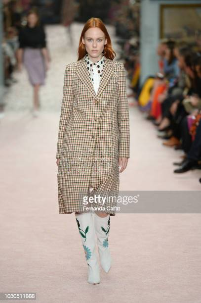 Model Kiki Willems walks the runway for Carolina Herrera during New York Fashion Week The Shows on September 10 2018 in New York City