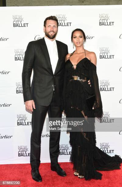 Model Lais Ribeiro and guest attend the New York City Ballet 2017 Spring Gala at the David H Koch Theater at Lincoln Center on May 4 2017 in New York...
