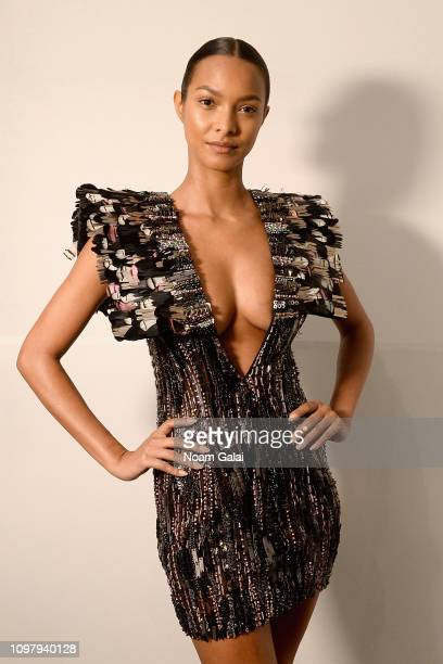 Model Lais Ribeiro poses backstage for Cong Tri fashion show during New York Fashion Week The Shows at Gallery II at Spring Studios on February 11...