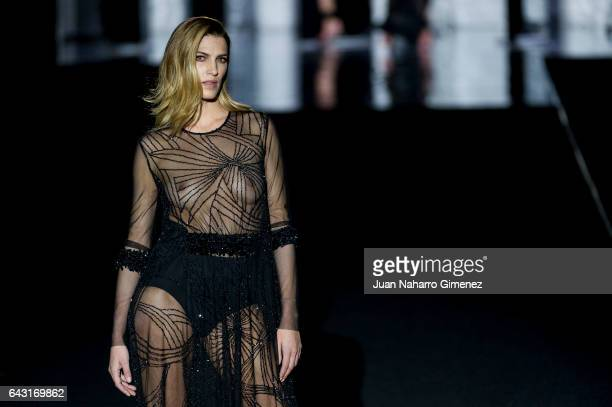 Model Laura Sanchez walks the runway at the Duyos show during the MercedesBenz Madrid Fashion Week Autumn/Winter 2017 at Ifema on February 20 2017 in...
