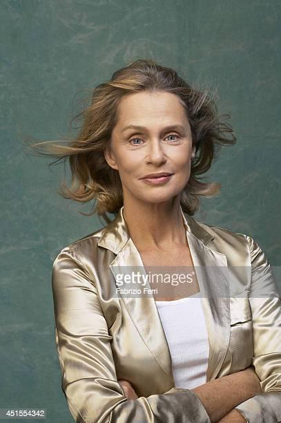 Model Lauren Hutton is photographed in October 2003 in New York City