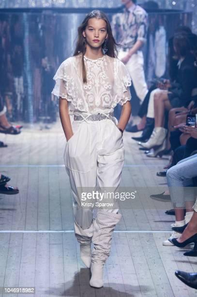 Model Laurijn Bijnen walks the runway during the Isabel Marant show as part of Paris Fashion Week Womenswear Spring/Summer 2019 on September 27 2018...