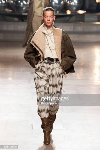 Model Laurijn Bijnen walks the runway during the Isabel Marant show as part of Paris Fashion Week Womenswear Fall/Winter 2019/2020 on February 28...