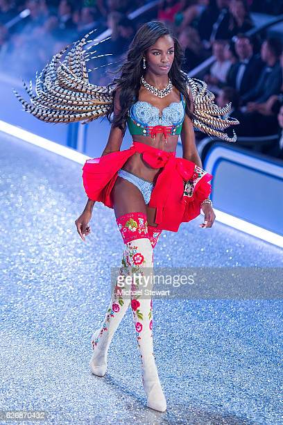 Model Leomie Anderson walks the runway during the 2016 Victoria's Secret Fashion Show at Le Grand Palais in Paris on November 30 2016 in Paris France