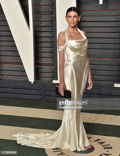 Model Liberty Ross arrives at the 2016 Vanity Fair Oscar Party Hosted By Graydon Carter at Wallis Annenberg Center for the Performing Arts on...