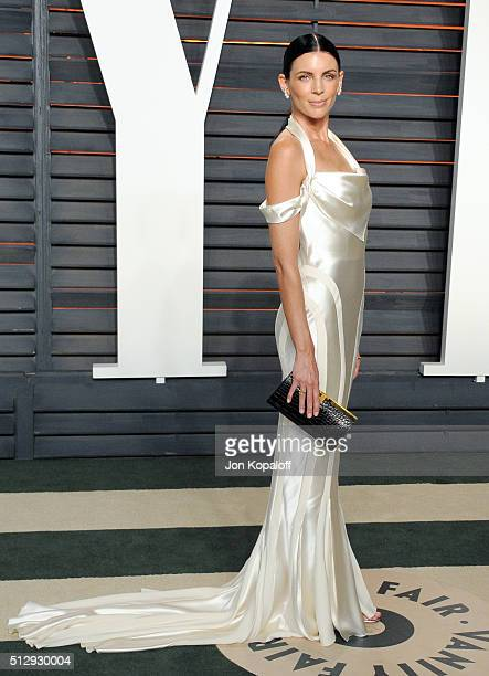 Model Liberty Ross attends the 2016 Vanity Fair Oscar Party hosted By Graydon Carter at Wallis Annenberg Center for the Performing Arts on February...