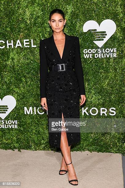 Model Lily Aldridge attends the 2016 God's Love We Deliver Golden Heart Awards Dinner at Spring Studios on October 17 2016 in New York City