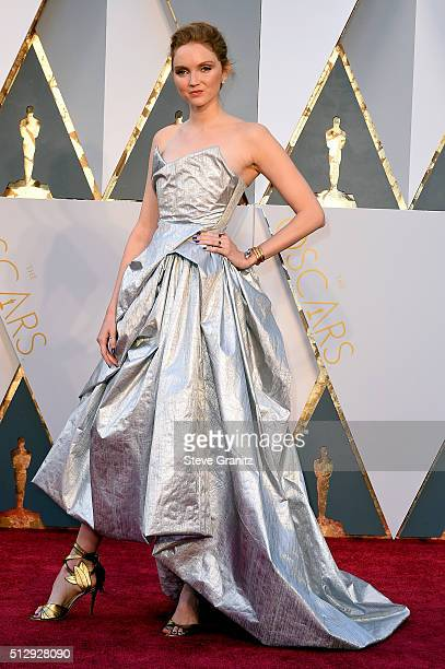 Model Lily Cole attends the 88th Annual Academy Awards at Hollywood & Highland Center on February 28, 2016 in Hollywood, California.