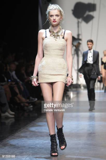 Model Lily Donaldson walks down the runway during the Dolce Gabbana show as part of Milan Womenswear Fashion Week Spring/Summer 2010 on September 27...