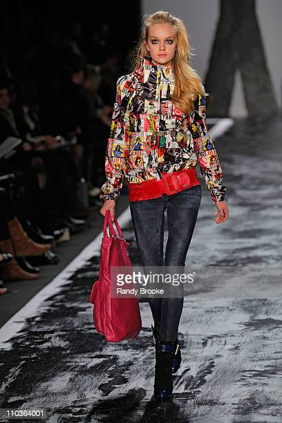 Model Lindsay Ellingson walks the runway at Miss Sixty during MercedesBenz Fashion Week Fall 2009 at The Tent in Bryant Park on February 15 2009 in...