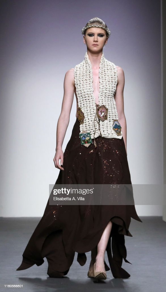 Model Lucia Pellizzaro Walks The Runway At A Humming Way News Photo Getty Images
