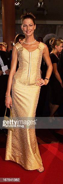 Model Marcella Siegel Bei Bambi 2001 Verleihung In Berlin
