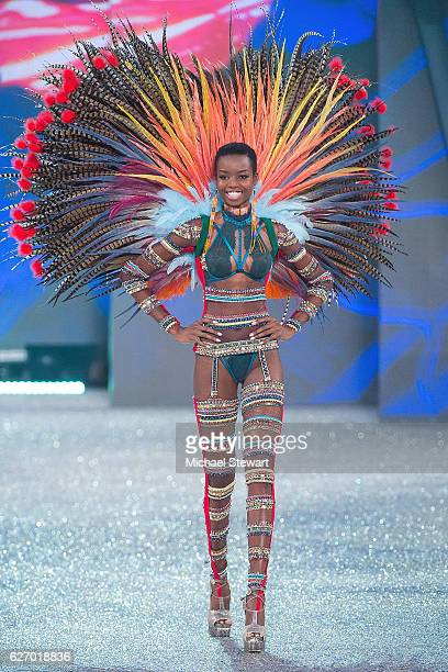 Model Maria Borges walks the runway during the 2016 Victoria's Secret Fashion Show at Le Grand Palais in Paris on November 30 2016 in Paris France