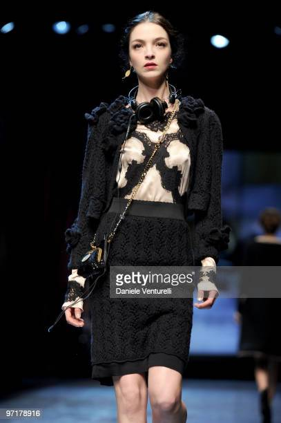Model Mariacarla Boscono walks the runway during the Dolce Gabbana Milan Fashion Week Autumn/Winter 2010 show on February 28 2010 in Milan Italy