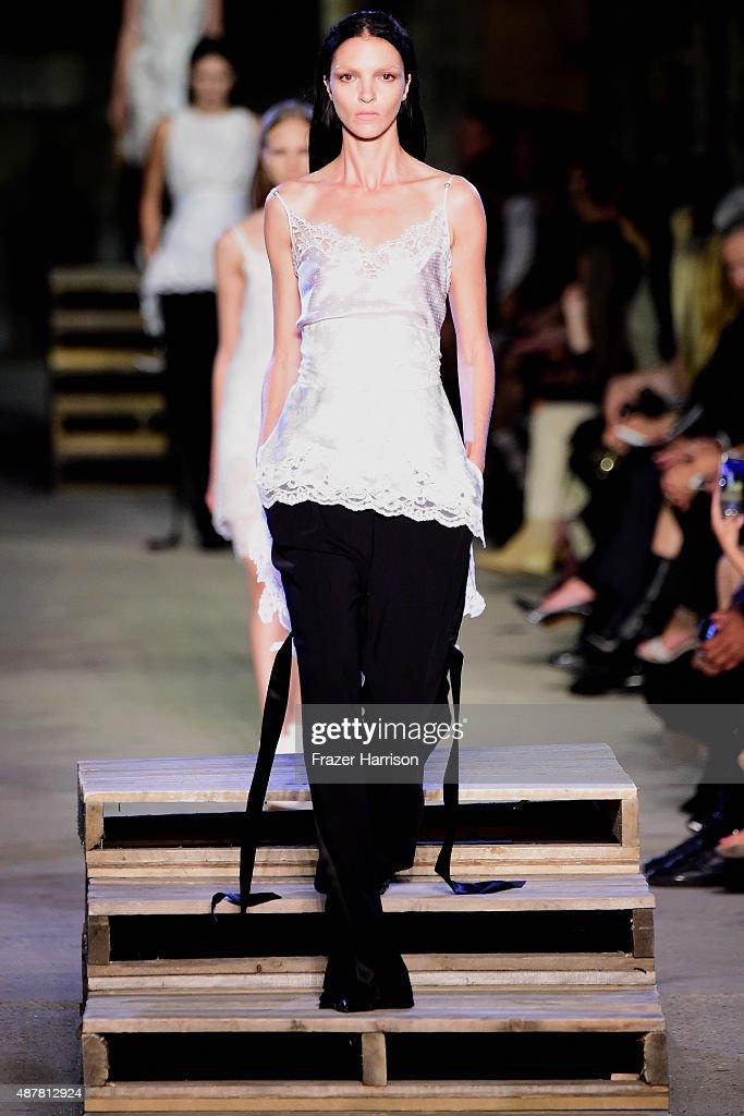 Givenchy - Runway - Spring 2016 New York Fashion Week