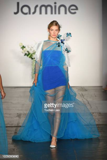 Model Megan Williams walks the runway during the Jasmine fashion show during September 2018 New York Fashion Week The Shows at Industria Studios on...