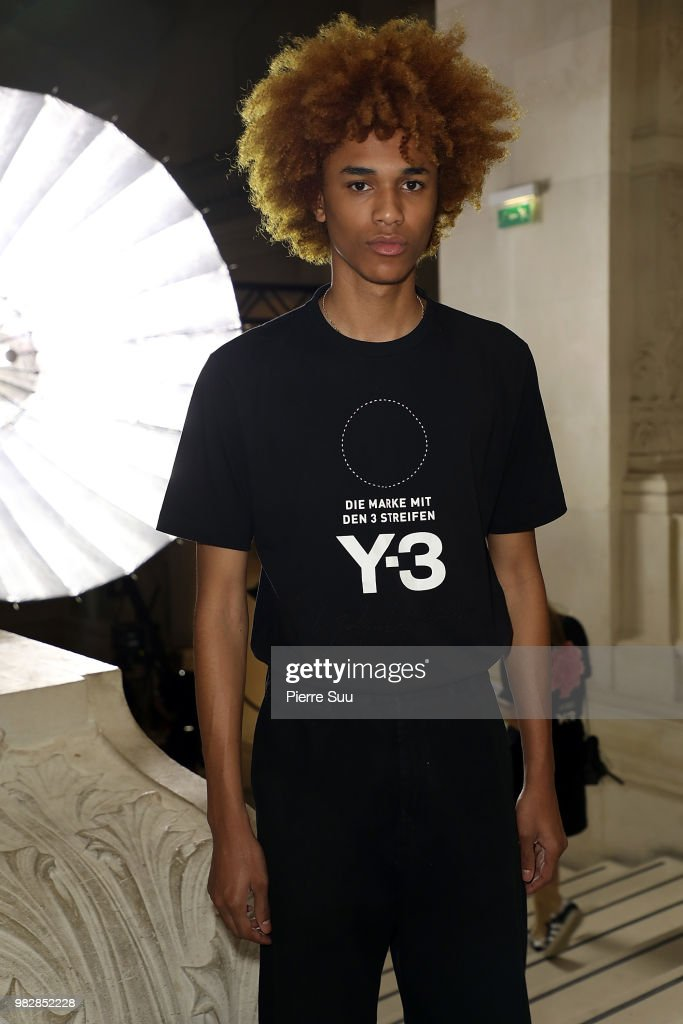 Y-3 : Front Row - Paris Fashion Week - Menswear Spring/Summer 2019