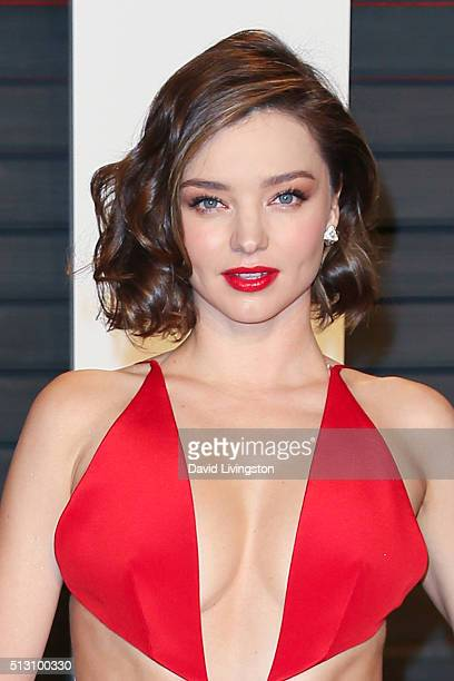 Model Miranda Kerr arrives at the 2016 Vanity Fair Oscar Party Hosted by Graydon Carter at the Wallis Annenberg Center for the Performing Arts on...