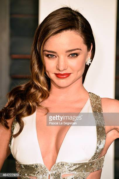 Model Miranda Kerr attends the 2015 Vanity Fair Oscar Party hosted by Graydon Carter at Wallis Annenberg Center for the Performing Arts on February...